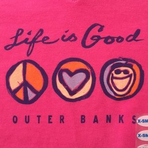"""LIFE IS GOOD Women's Peace """"Outer Banks"""" T-Shirt"""